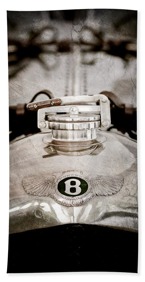 1925 Bentley 3-liter 100mph Supersports Brooklands Two-seater Radiator Cap Hand Towel featuring the photograph 1925 Bentley 3-liter 100mph Supersports Brooklands Two-seater Radiator Cap by Jill Reger