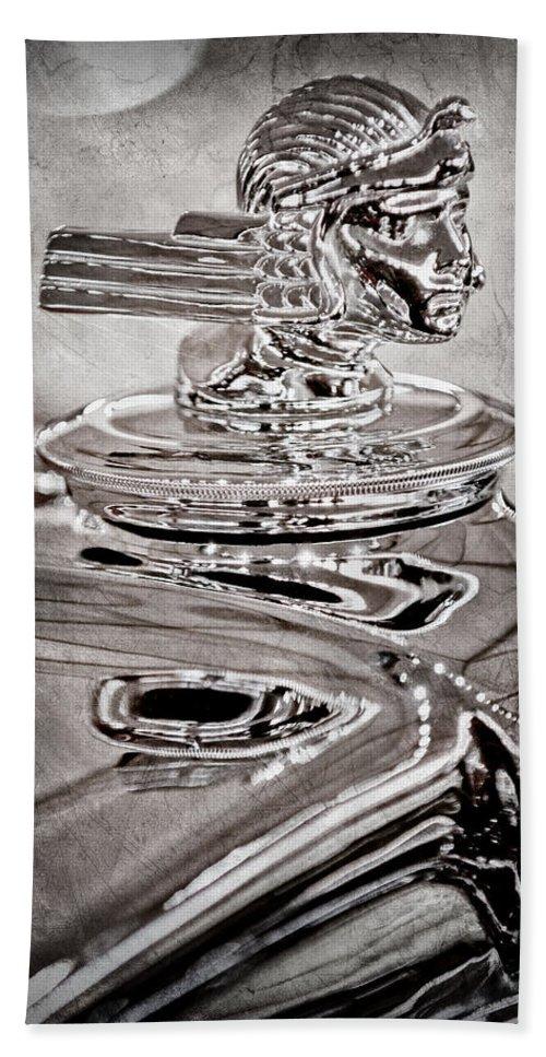 1933 Stutz Dv-32 Dual Cowl Phaeton Hood Ornament Hand Towel featuring the photograph 1933 Stutz Dv-32 Dual Cowl Phaeton Hood Ornament by Jill Reger