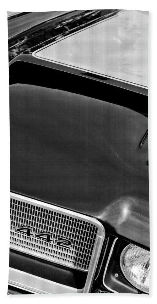 1972 Oldsmobile 442 Grille Emblem Bath Sheet featuring the photograph 1972 Oldsmobile 442 Grille Emblem by Jill Reger
