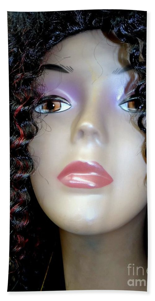 Mannequins Bath Towel featuring the photograph A Touch Of Red by Ed Weidman