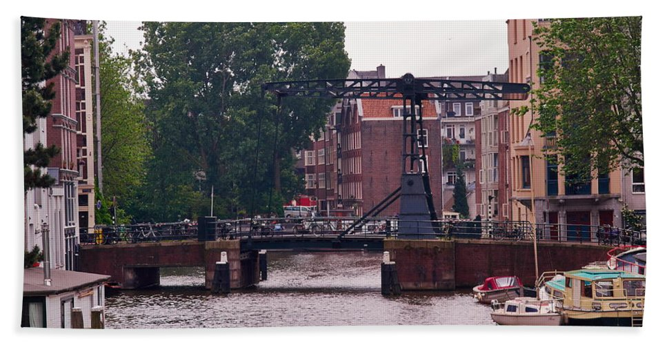 Alankomaat Bath Sheet featuring the photograph Amsterdam by Jouko Lehto