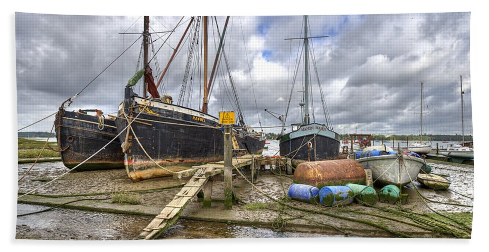 Pin Mill Hand Towel featuring the photograph Boats On The Hard At Pin Mill by Gary Eason