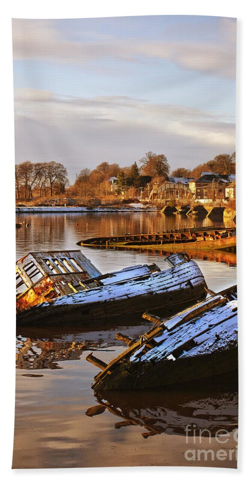 Bowling Bath Sheet featuring the photograph Bowling Harbour 02 by Antony McAulay