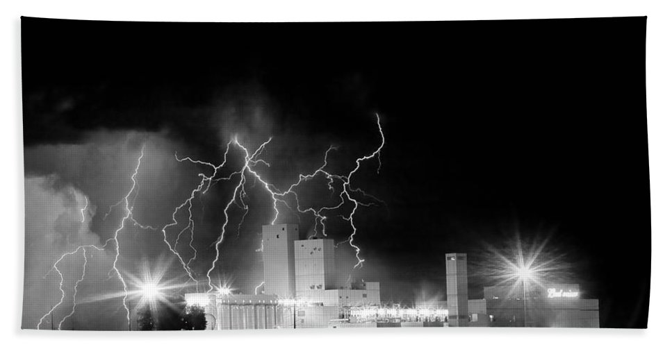 Lightning Bath Sheet featuring the photograph Budweiser Lightning Thunderstorm Moving Out Bw by James BO Insogna