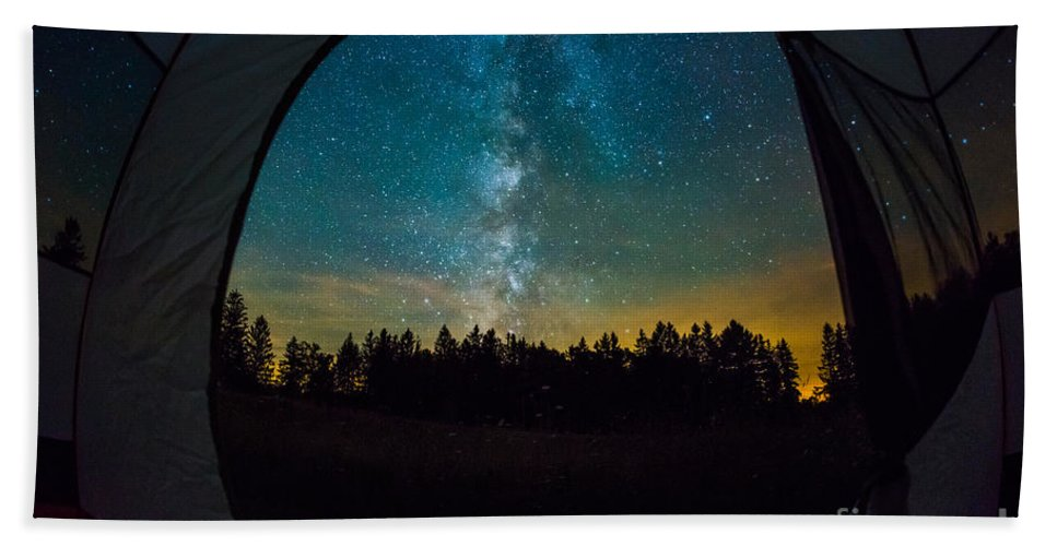 Tree Bath Sheet featuring the photograph Camping Under The Stars by Michael Ver Sprill