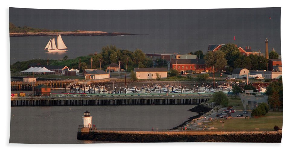 Casco Bay Hand Towel featuring the photograph Coastal Life In Maine by Carl D. Walsh