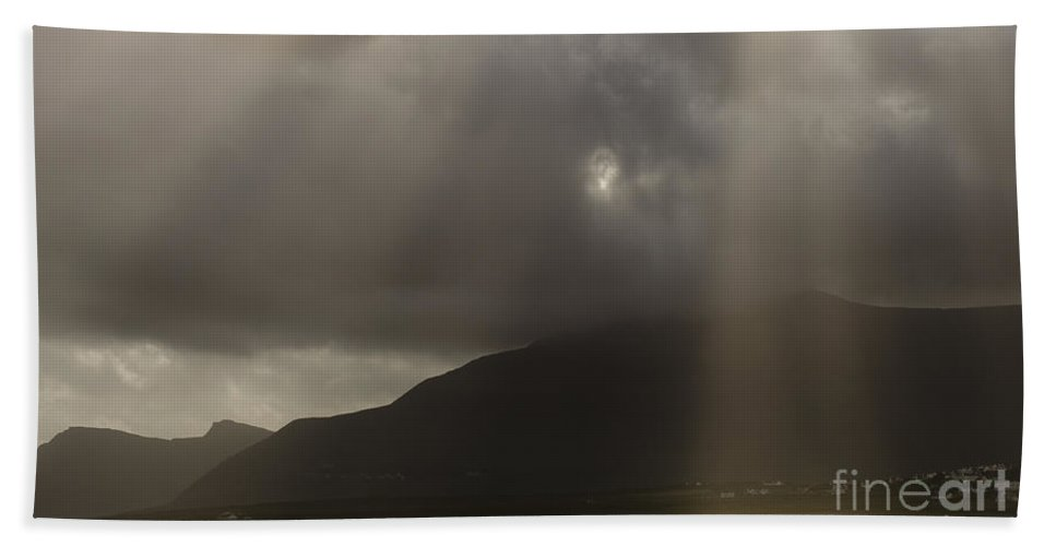 Achill Bath Sheet featuring the photograph Crepuscular Rays by John Shaw