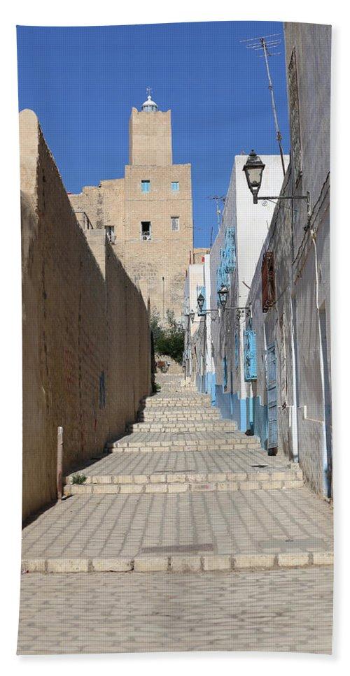 Tunisia Bath Sheet featuring the photograph Khalaf Al-fata Lighthouse by Paul Fell