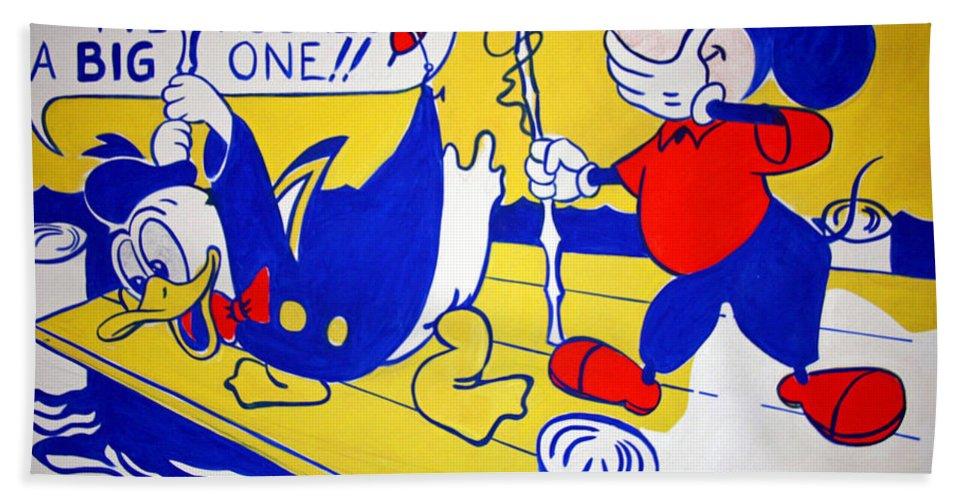 Donald Bath Sheet featuring the photograph Lichtenstein's Look Mickey by Cora Wandel
