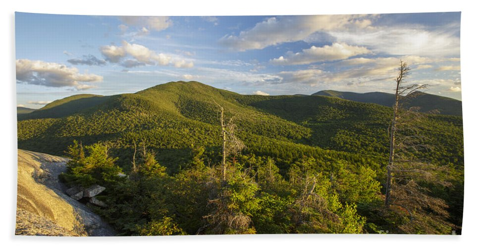 Bethlehem Bath Towel featuring the photograph Middle Sugarloaf Mountain - Bethlehem Nh Usa by Erin Paul Donovan