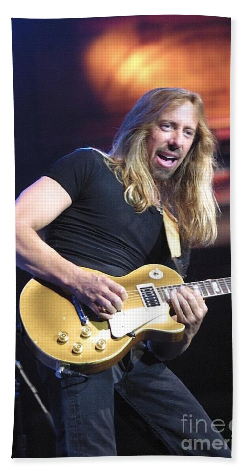Hard Rock Bath Sheet featuring the photograph Night Ranger by Concert Photos