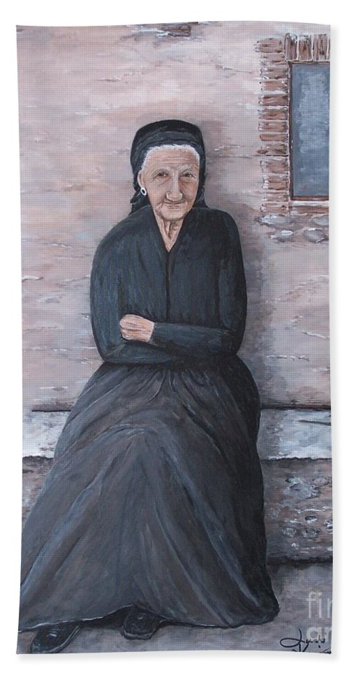 Old Lady Bath Sheet featuring the painting Old Woman Waiting by Judy Kirouac
