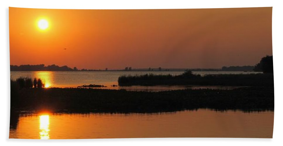 Panorama Hand Towel featuring the photograph Panoramic Sunset by Frozen in Time Fine Art Photography