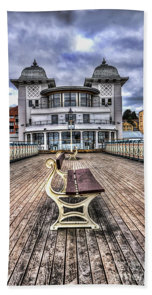 Penarth Pier Hand Towel featuring the photograph Penarth Pier Pavilion by Steve Purnell