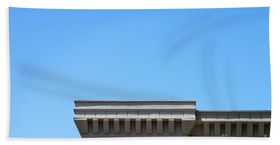 Roof Bath Sheet featuring the photograph Roof Top by Henrik Lehnerer