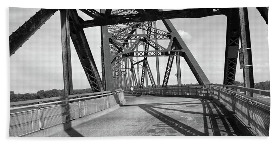 66 Hand Towel featuring the photograph Route 66 - Chain Of Rocks Bridge by Frank Romeo