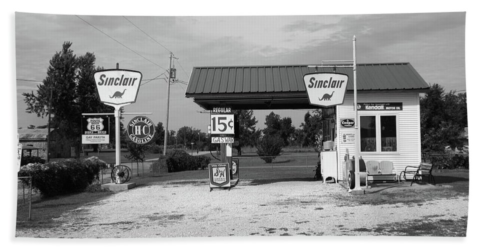 66 Bath Sheet featuring the photograph Route 66 Gas Station by Frank Romeo