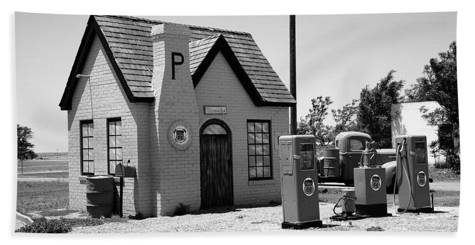 66 Hand Towel featuring the photograph Route 66 - Phillips 66 Gas Station by Frank Romeo