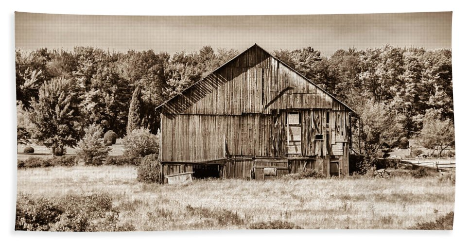 Barn Hand Towel featuring the photograph Still Standing by Guy Whiteley