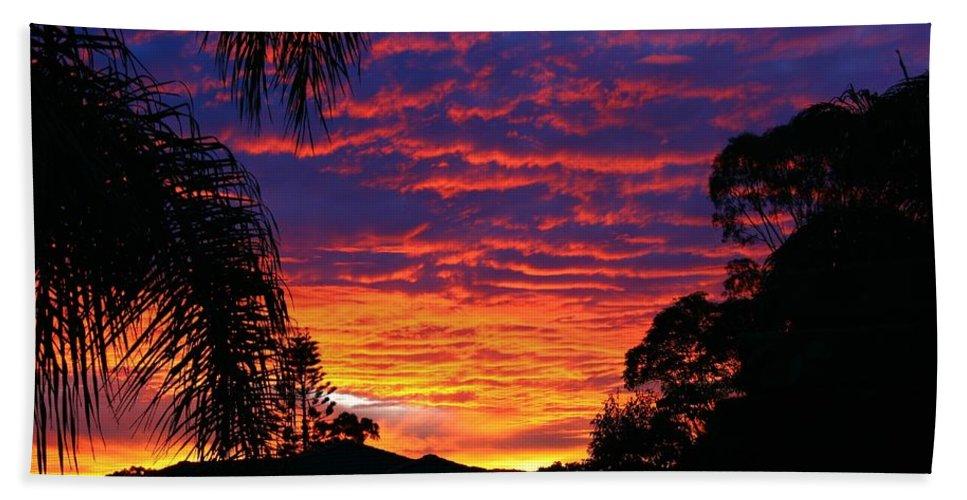 Sun Hand Towel featuring the photograph Stunning Sunset by Darren Burton
