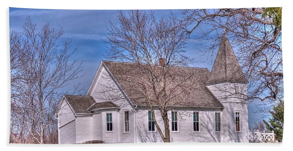 Church Hand Towel featuring the photograph The Church At The Site Of The Old Confederate Soldiers Home by L Wright