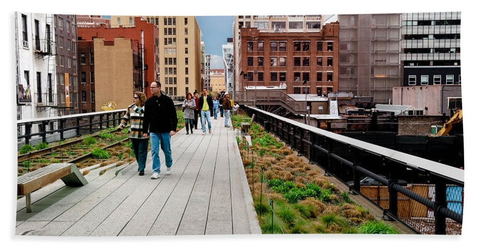 Chelsea Hand Towel featuring the photograph The High Line Urban Park New York Citiy by Amy Cicconi