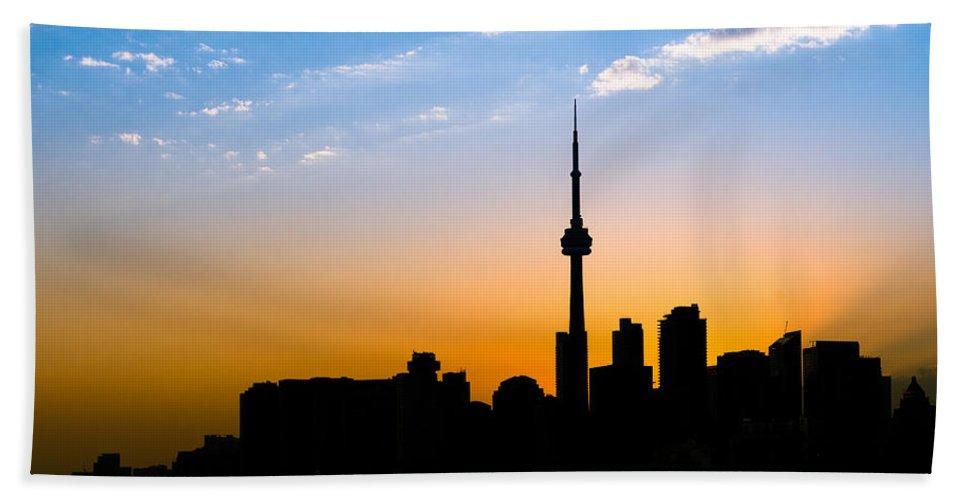 Toronto Hand Towel featuring the photograph Toronto Skyline by Sebastian Musial