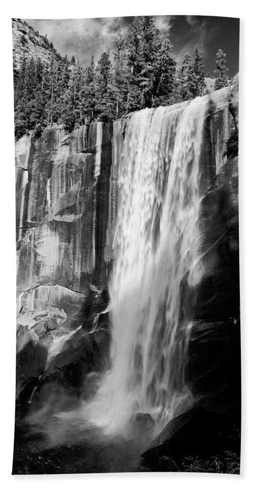 Water Bath Towel featuring the photograph Vernal Falls by Cat Connor