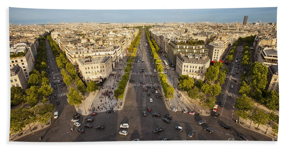 Arc De Triomphe Bath Sheet featuring the photograph View Over Champs Elysees by Brian Jannsen