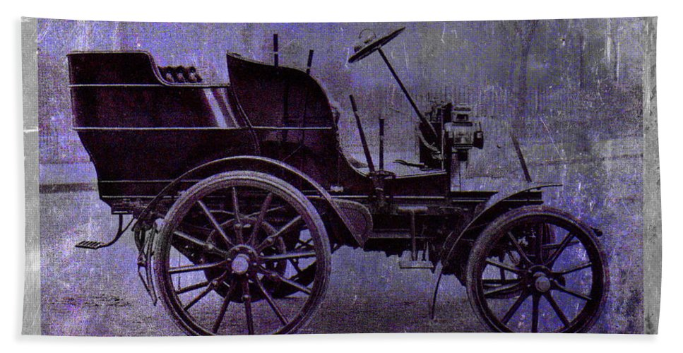 Vintage Hand Towel featuring the digital art Vintage Car by David Ridley