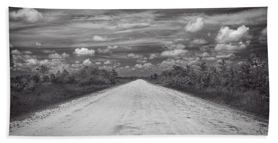 Ahead Bath Sheet featuring the photograph Wagon Wheel Road Bw by Rudy Umans