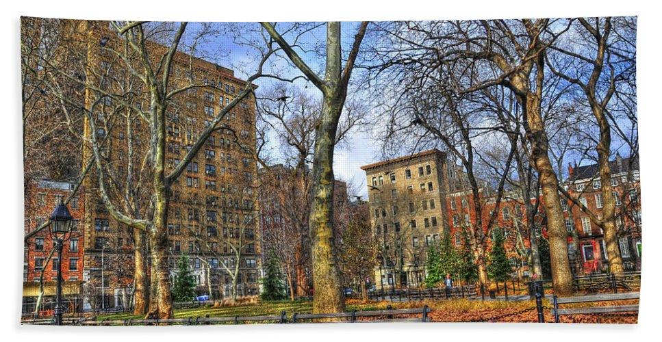 Washington Square Park Bath Towel featuring the photograph Washington Square Park by Randy Aveille