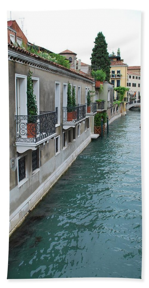 Venice Hand Towel featuring the photograph Venice Canal by Richard Booth