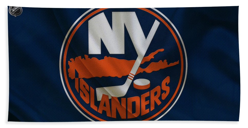 Islanders Bath Towel featuring the photograph New York Islanders by Joe Hamilton