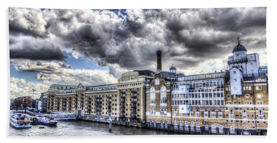 Butlers Wharf Hand Towel featuring the photograph Butlers Wharf London by David Pyatt