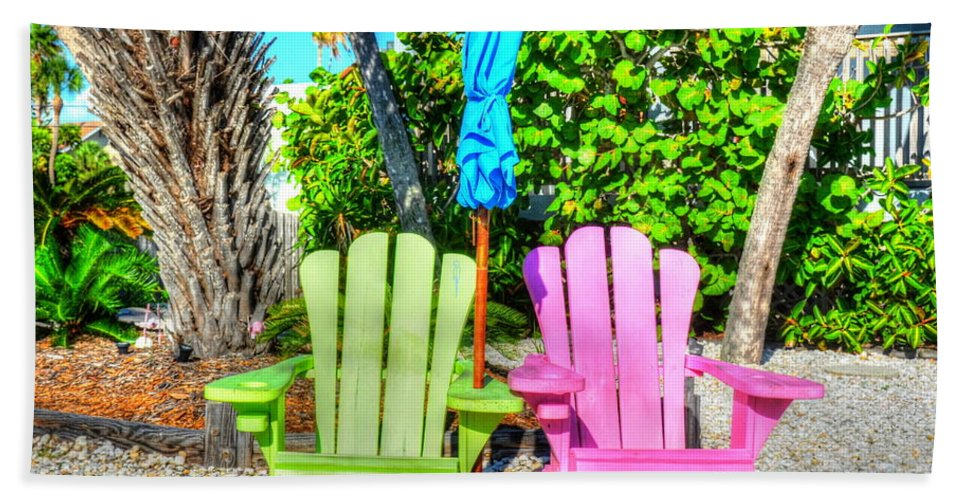 Chairs Bath Sheet featuring the photograph Chillin by Debbi Granruth