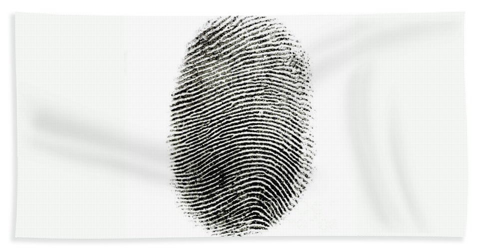 Print Hand Towel featuring the photograph Fingerprint by Photo Researchers Inc
