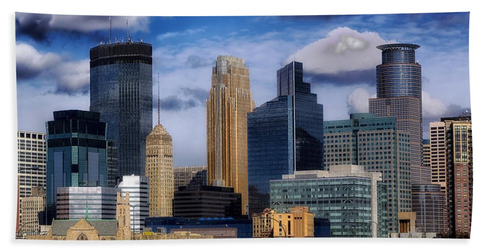 Minneapolis Hand Towel featuring the photograph Minneapolis Skyline by Mountain Dreams