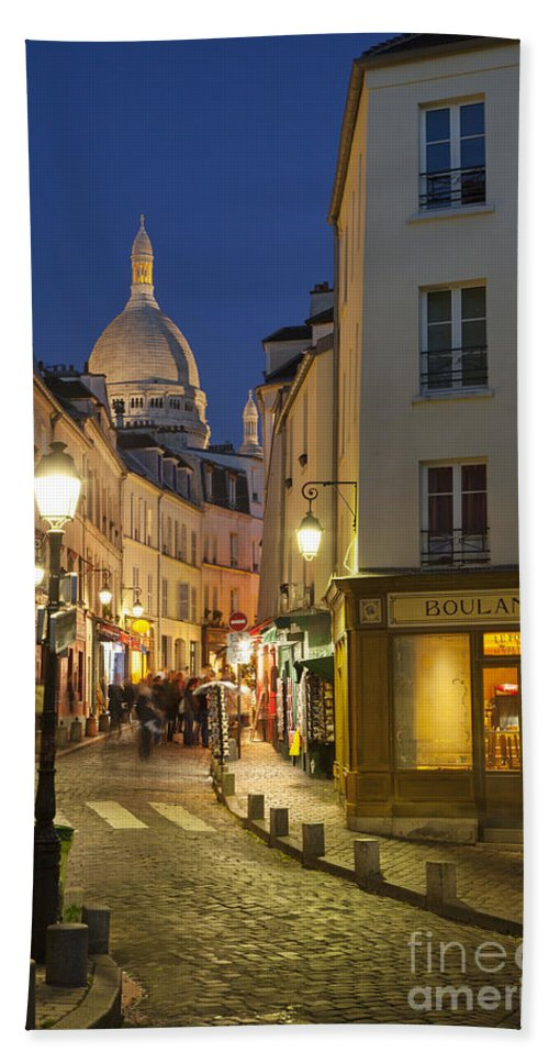 Bakery Hand Towel featuring the photograph Montmartre Twilight by Brian Jannsen