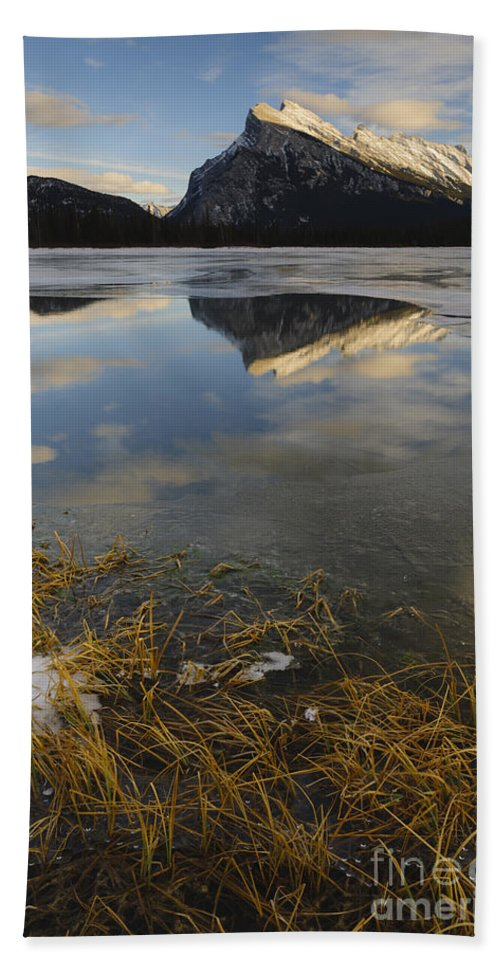 Nature Bath Sheet featuring the photograph Mt. Rundle And Vermillion Lake by John Shaw