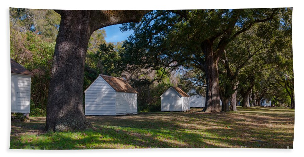 Slave Quarters Hand Towel featuring the photograph Plantation Cabins by Dale Powell