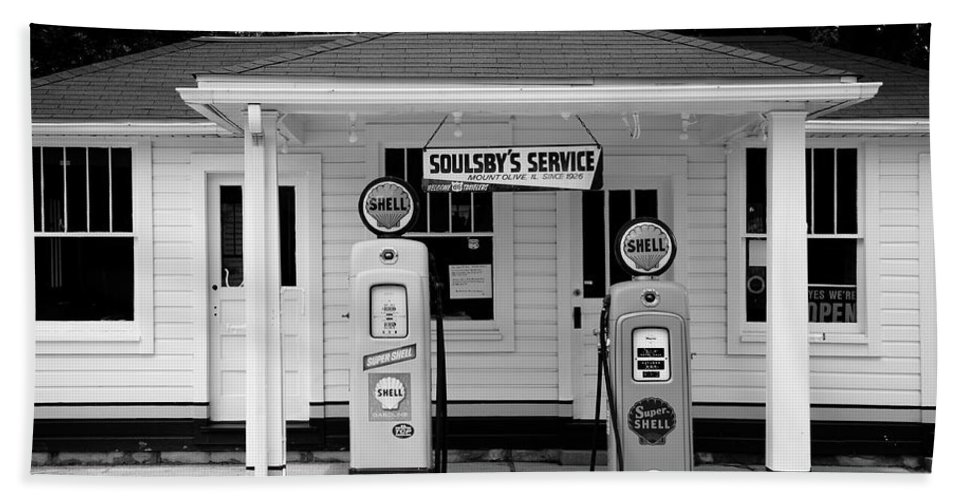 66 Hand Towel featuring the photograph Route 66 - Soulsby Station Pumps by Frank Romeo