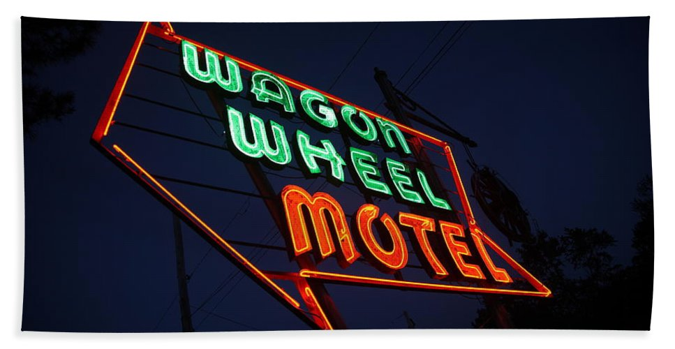 66 Bath Sheet featuring the photograph Route 66 - Wagon Wheel Motel by Frank Romeo