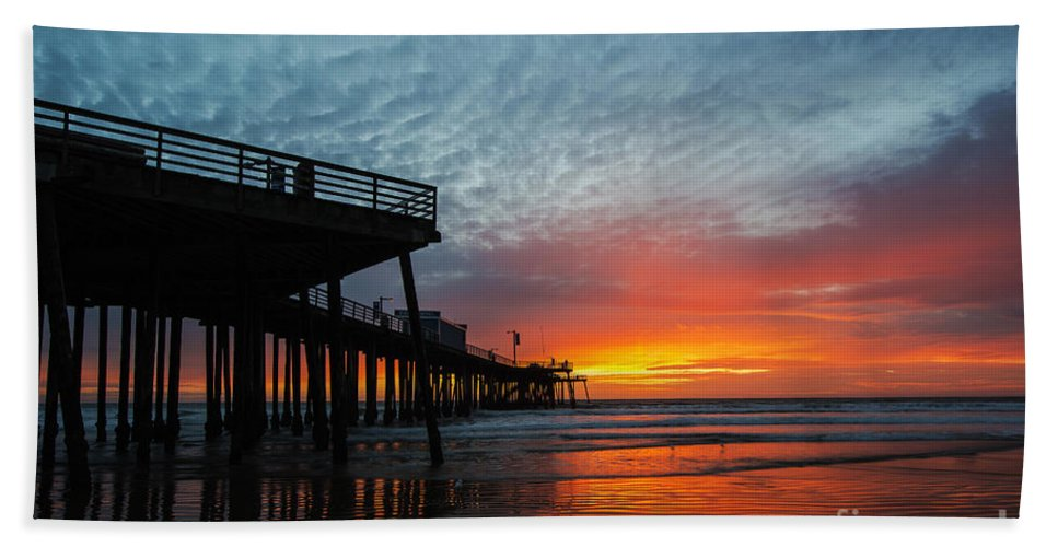 Sunset At Pismo Beach Pier Hand Towel featuring the photograph Sunset At Pismo Beach Pier by Yefim Bam