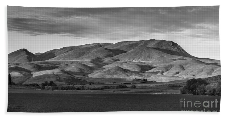Gem County Bath Sheet featuring the photograph The Butte by Robert Bales