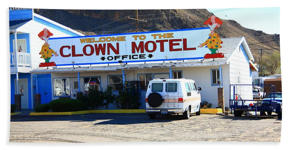 America Hand Towel featuring the photograph Tonopah Nevada - Clown Motel by Frank Romeo