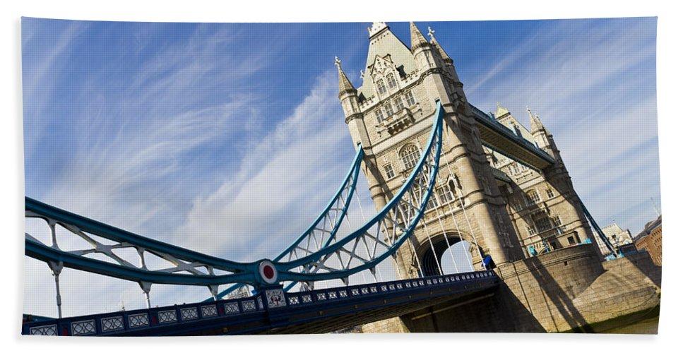 Tower Bridge Bath Sheet featuring the photograph Tower Bridge London by David Pyatt