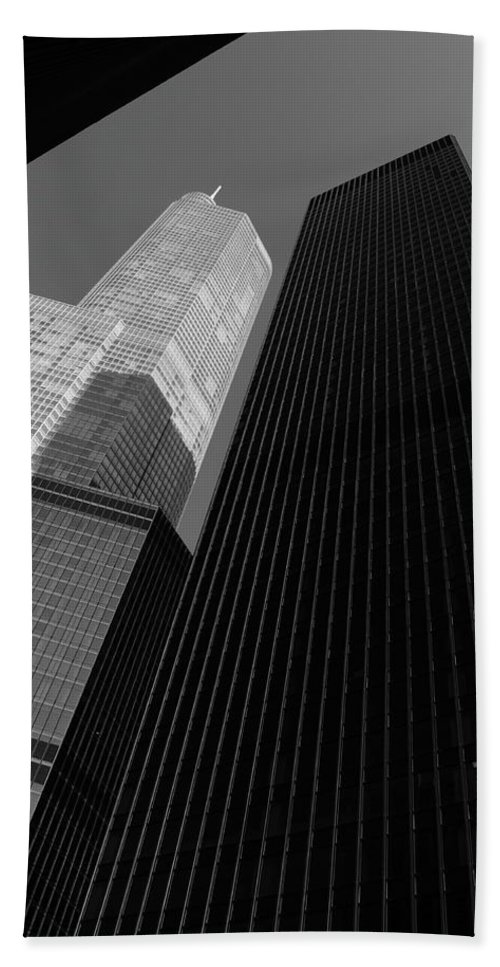 America Hand Towel featuring the photograph Chicago Skyscrapers by Frank Romeo