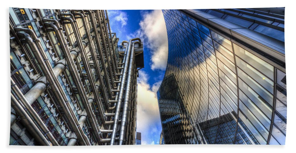 Lloyds Bath Sheet featuring the photograph Lloyd's And Willis Group London by David Pyatt