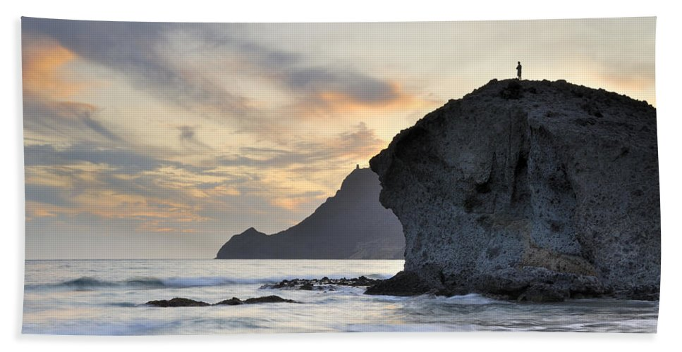 Sunset Bath Sheet featuring the photograph Monsul by Guido Montanes Castillo